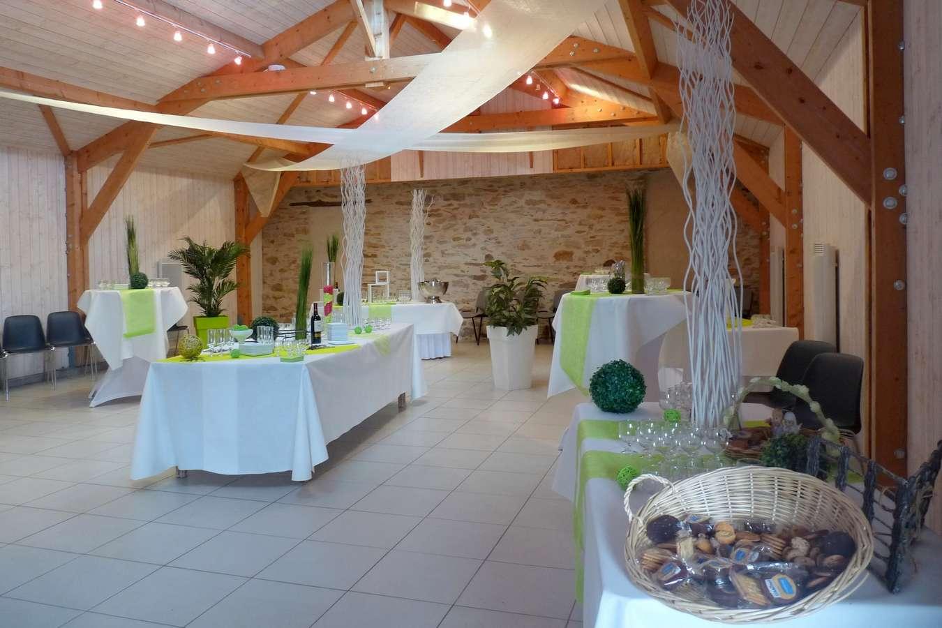 Salle de mariage vin d 39 honneur g tes avec piscine pornic for Expert reception maison neuve
